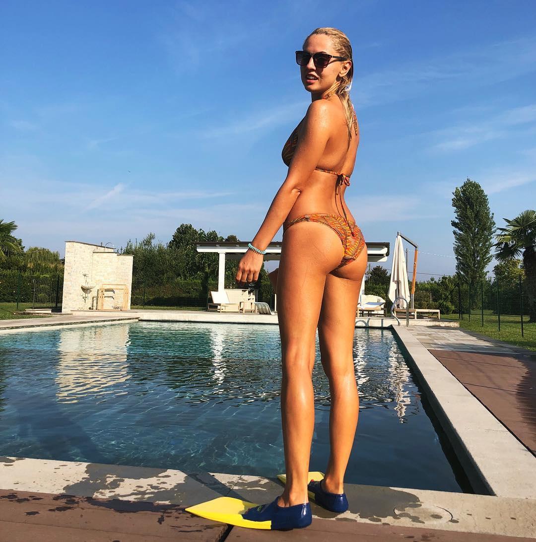 Янина Студилина: Привет Италия, прощай талия   пошла отрабатывать #тирамису    #италия #люблювкуснопоесть #спортэтожизнь #italy #summertimefun