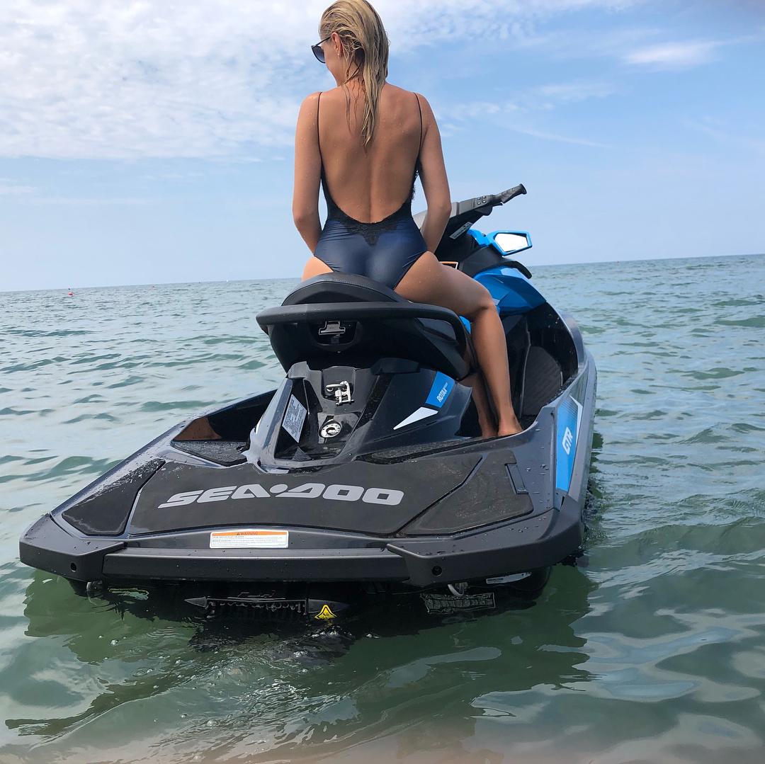Янина Студилина: кто со мной? #мореморе #mermaidlife #seatime #fortedeimarmi