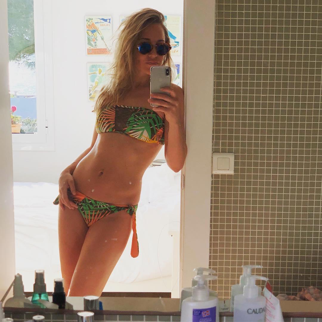 Юлия Ковальчук: +17...пошла загорать   #скородомой #готовакработе #россияненемерзнут #юлияковальчук #juliakovalchuk #купальниктотже
