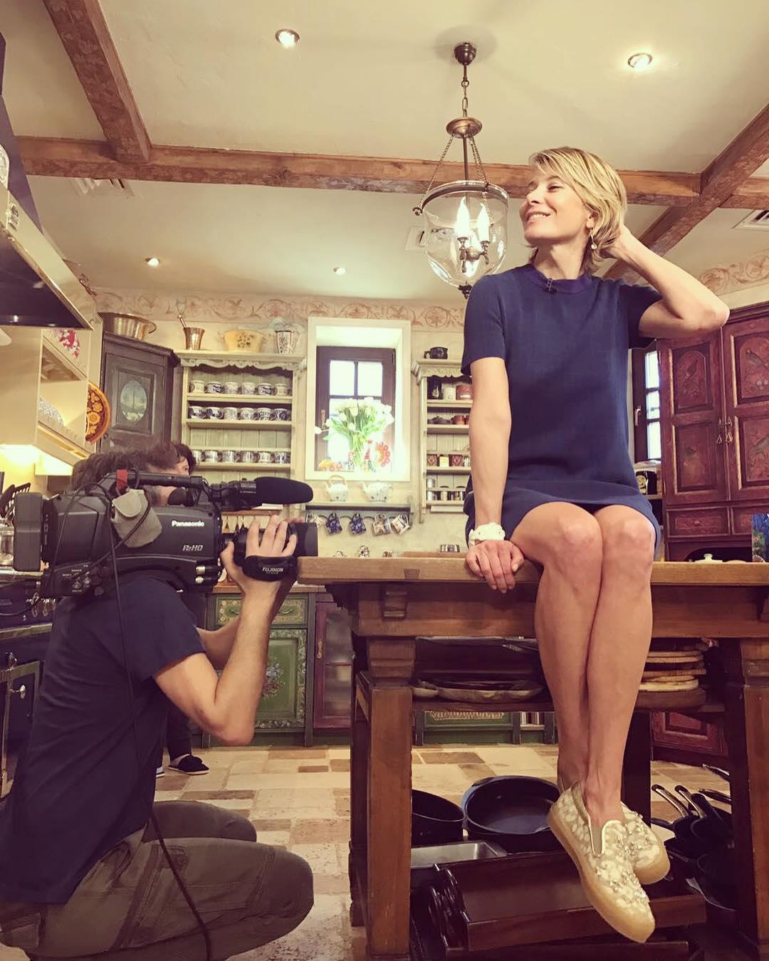 Юлия Высоцкая: Снимаем Едим Дома, рецепты ловите на НТВ 16 апреля! #juliavysotskaya #юлиявысоцкая #едимдома #нтв