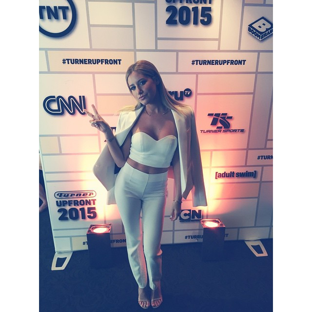 Эшли Тисдейл: Up early in NYC having fun at the #turnerupfronts for @clippedtbs @tbsnetwork