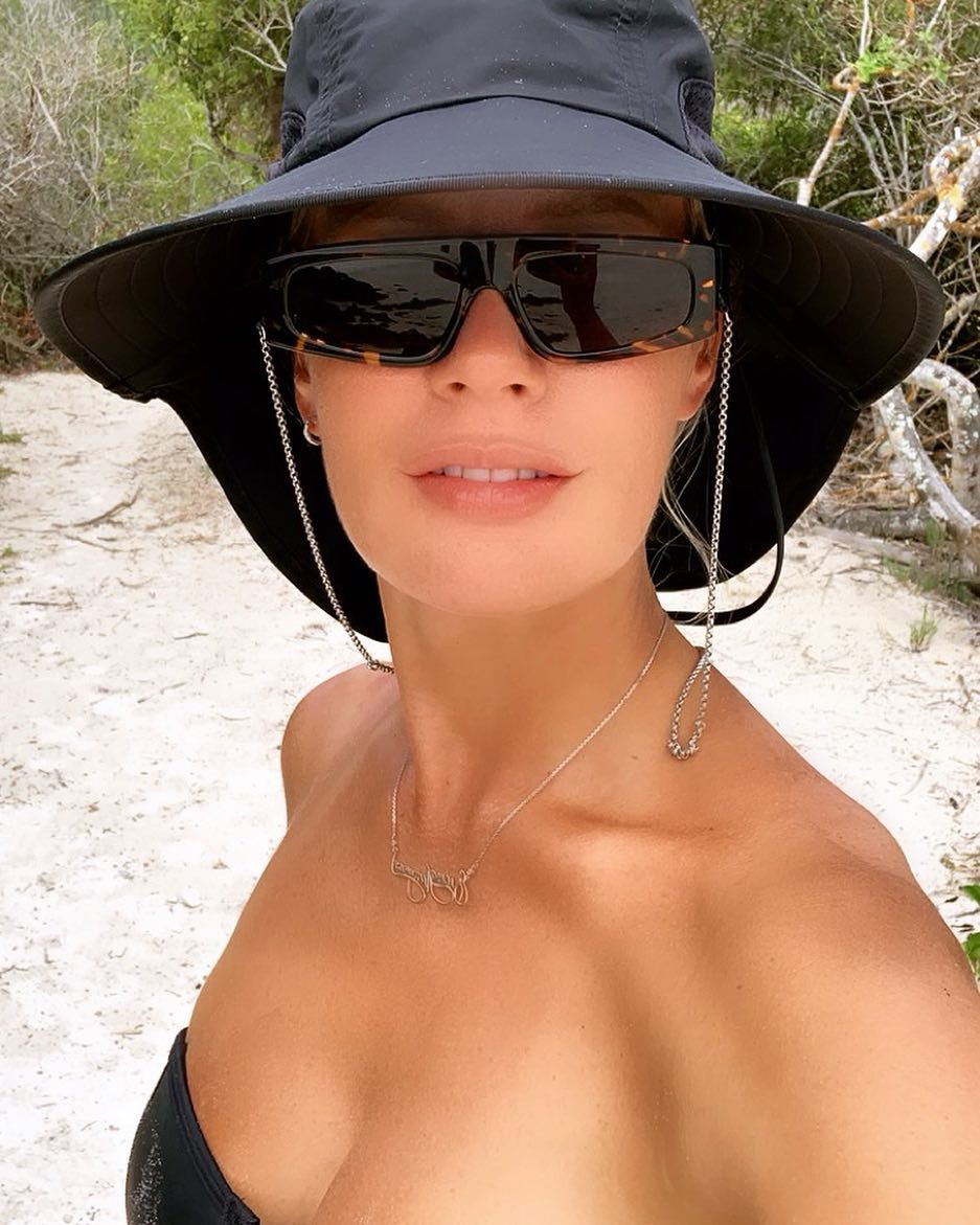 Елена Летучая: Натуралист- Лена  Что вы ещё хотите чтобы я показала вам с Галапагосов? #еленалетучая