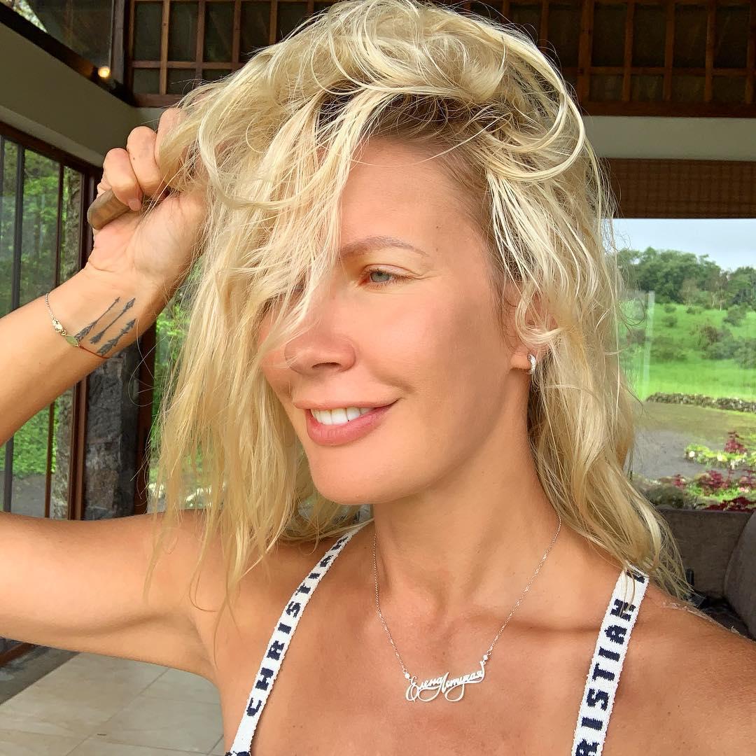Елена Летучая: План на сегодня: расчесать волосы  у меня все! #еленалетучая