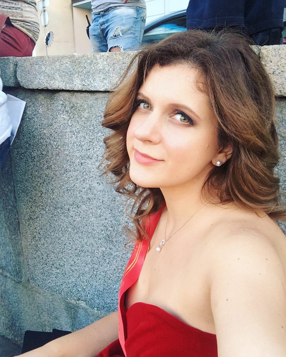 Анастасия Денисова: Предновогодняя суета навевает на воспоминания. А ещё многие подводят итоги...Кто-то пишет отличный был год, кто-то ждёт чтобы он скорее закончился, ужасный год...Я вам так скажу, у меня каждый год сложный, но и счастливый!А 31 декабря у меня ничег...