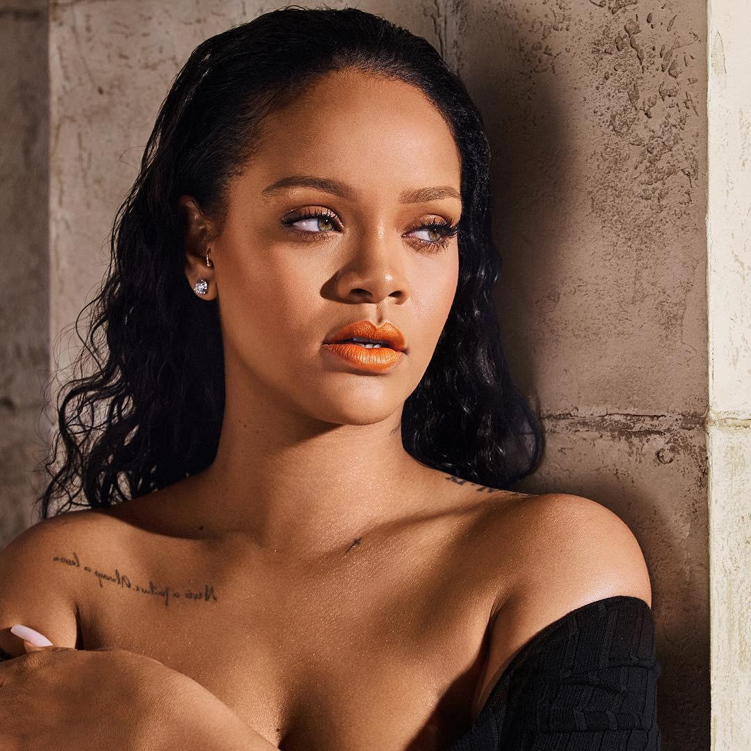 Рианна: #PUMPKINROSE @fentybeauty Dec. 26