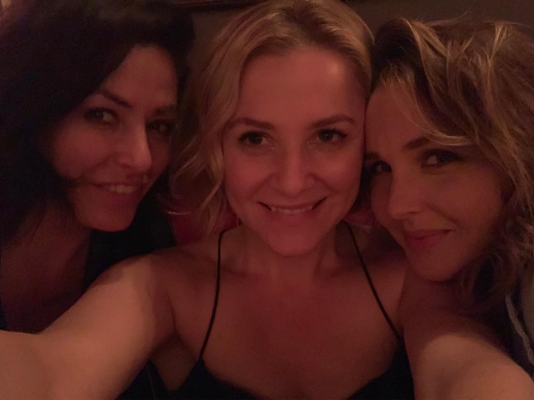 Камилла Ладдингтон: So much love I can't even tell you....     @melaniestylez  @jessicacapshaw