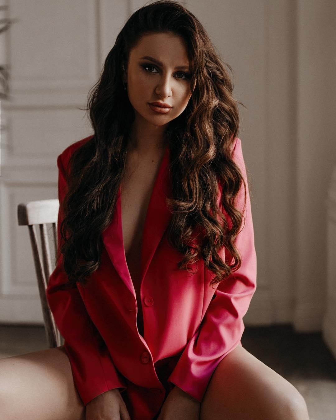 Певица Asti: Ваша цель нетолько ваша. Пока кто-то мечтает, другие берут иполучают.  @marialyadova