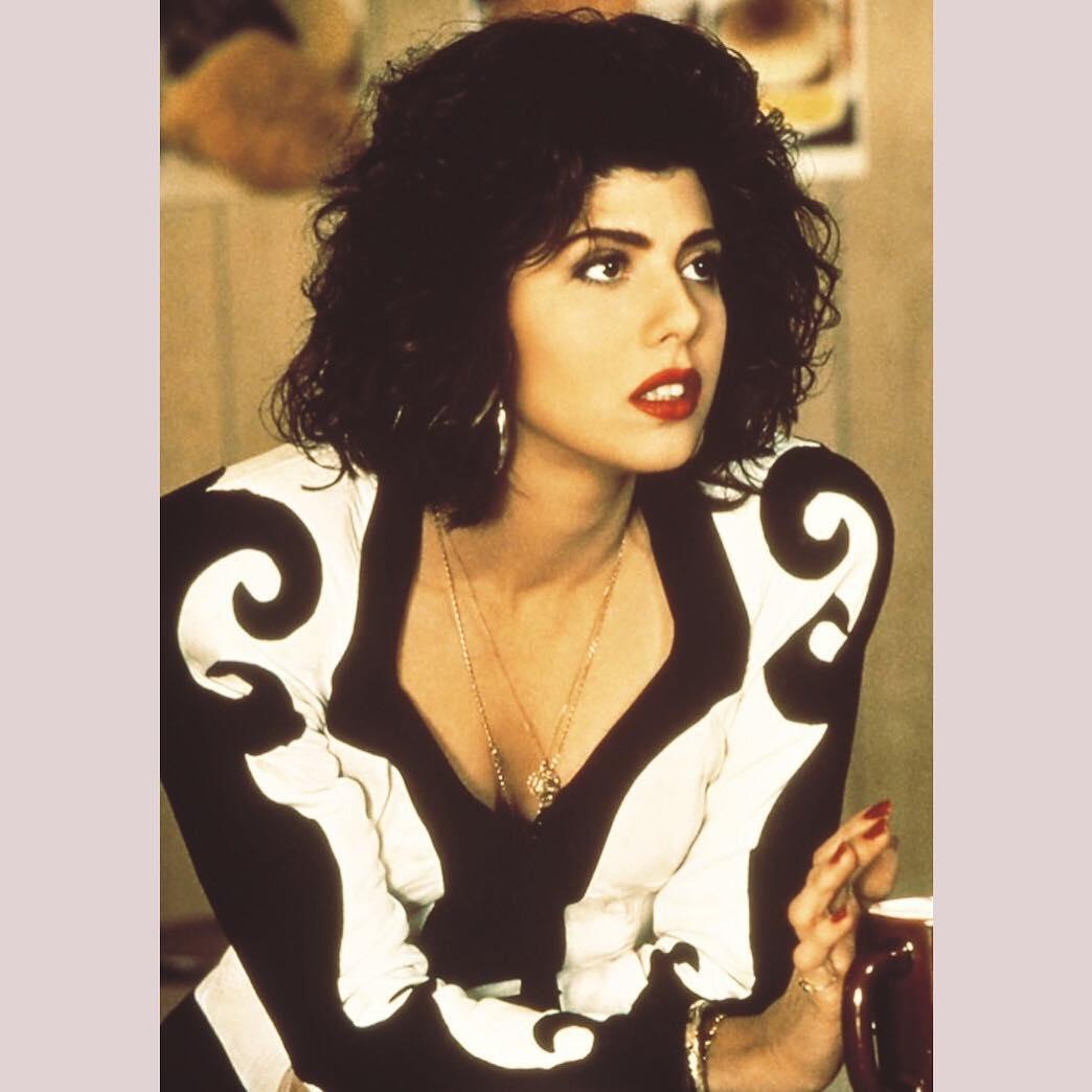 Ариэль Кеббел: #WCW The curls. The suit. The shoulder pads. #marisatomei I  U #mycousinvinny