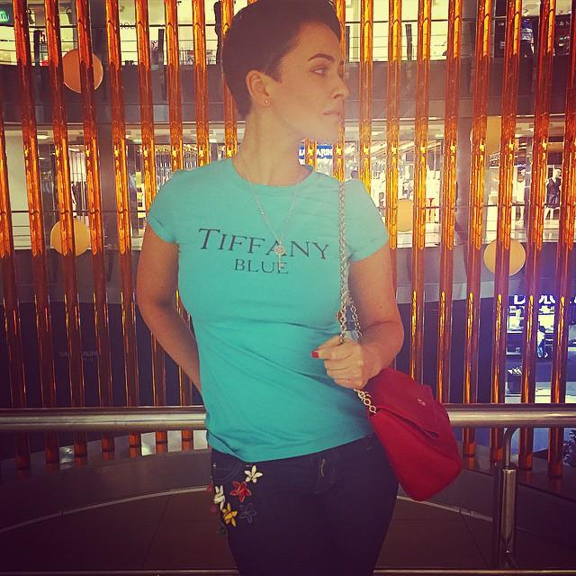 Даша Астафьева: Я люблю ту самую волну, когда мы думаем в одном направлении      Спасибо любимая @julia_jolies?.... Хоть бери, и переезжай в @sohoukraine, потому что хочу всю одежду там       #love #julia #tiffany #DA #soho