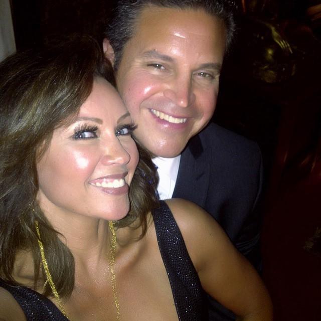 Ванесса Уильямс: #fbf My Jim & me at #harlemjuniortennis #gala Happy Friday!