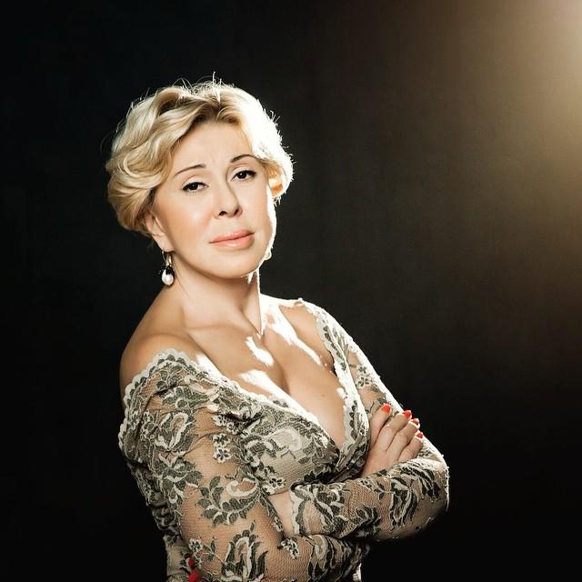 Сати Казанова: Дорогая наша, Любовь @uspenskayalubov, с Днём рождения! Для меня Вы — настоящая звезда: красивая, яркая, манящая. А ещё — путеводная. Здоровья и звёздных успехов во всём!     #goldenlookmanagementcompany