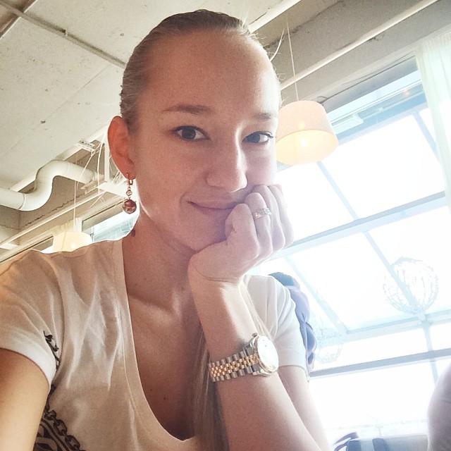 Полина Сидихина: @alinkaandreeva ты чудесный, светлый, живой человечек! Общение с тобой доставляет мне большое удовольствие! Спасибо за эти два обеденных часа, что ты провела в моей компании! Начало положено