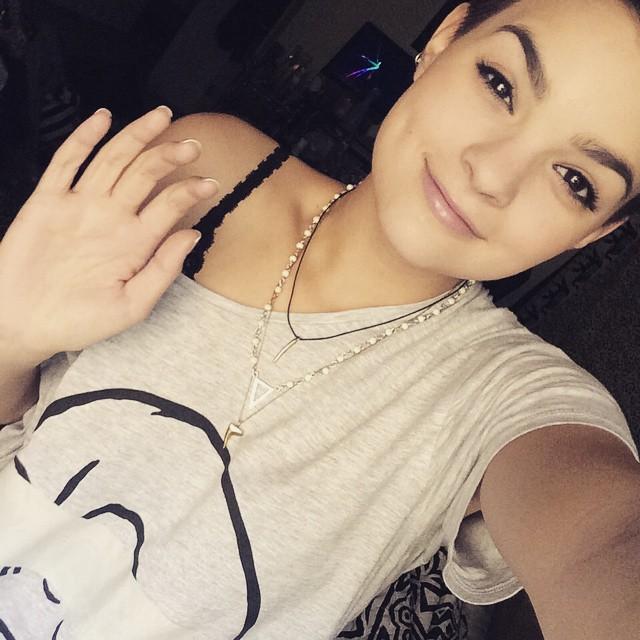 Брианна Хильдебранд: Hi- have a nice day