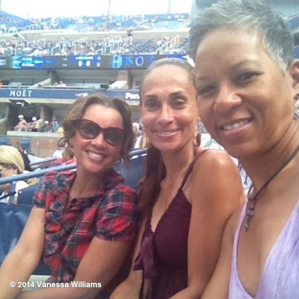 Ванесса Уильямс: Congrats for making history @katadams68! Kat, you're so deserving. Way to go!!! With Kat & Roberta Graves.