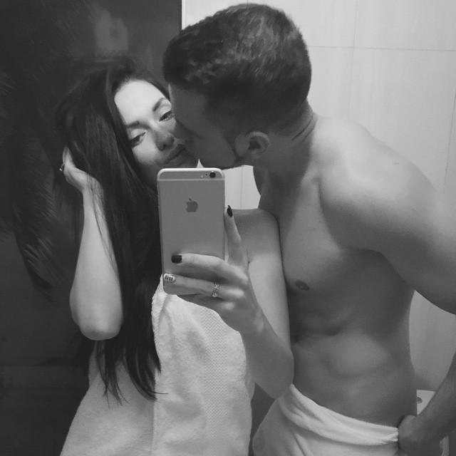 Евгения Феофилактова: Приехали с любимым @antongusev89  на spa  #relax#GUSEVY #kiss #LOVE