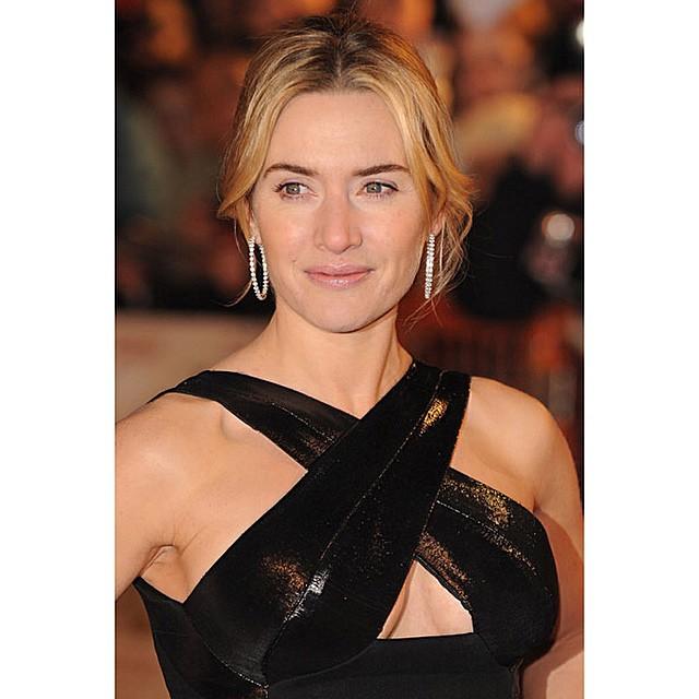 Кейт Уинслет: Isn't she gorgeous #katewinslet #dress #sexy #awards
