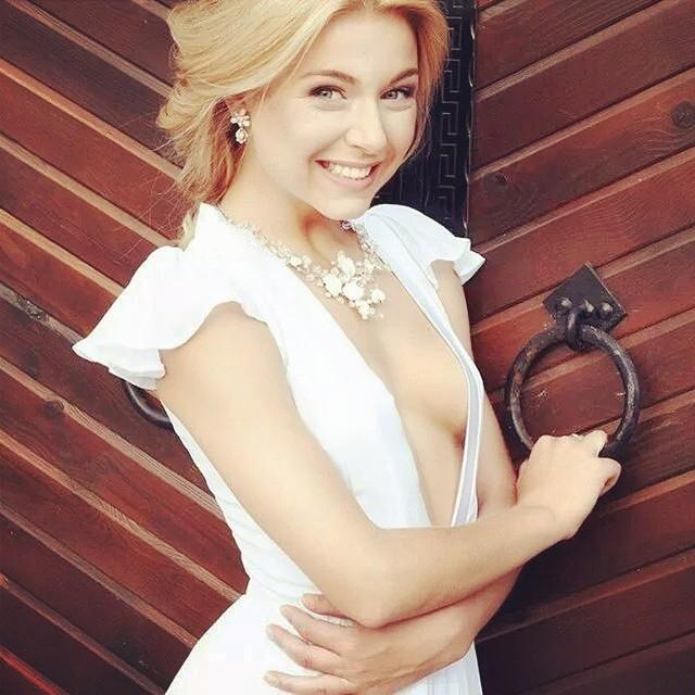 Татьяна Чердынцева: Photo @annafreys Make-up @neto4ka_nezvanova Dress @vira_wasabi