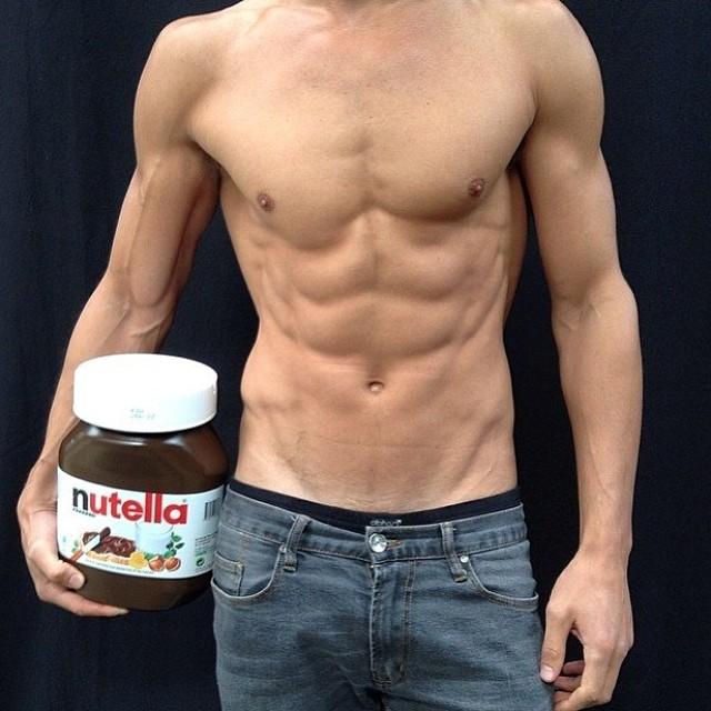 Кара Делевинь: #regram @tompecheux ABS FAB mmmmmmmm aren't we just loving that Nutella