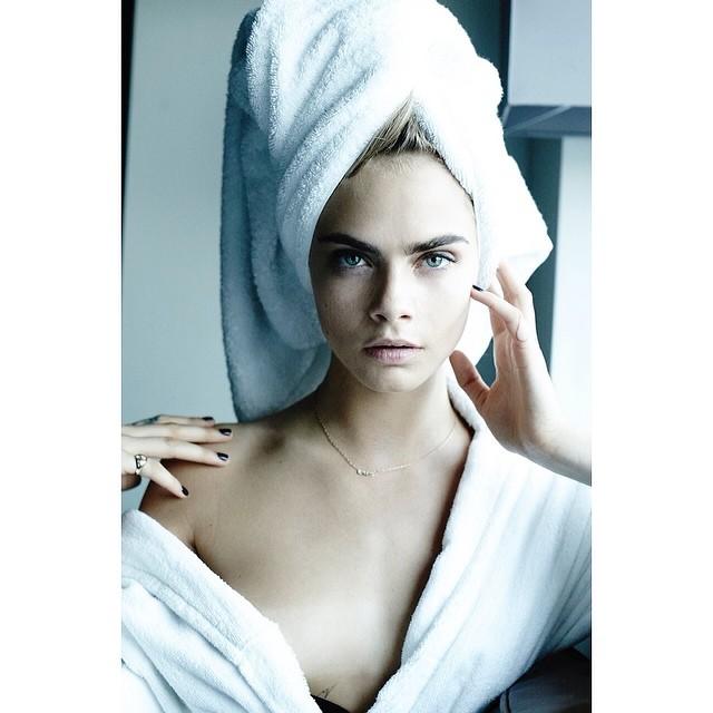 Кара Делевинь: #regram follow @mariotestino for his amazing towel series @pharrell #PutYourRobeOn #GIRL #MTtoweltime