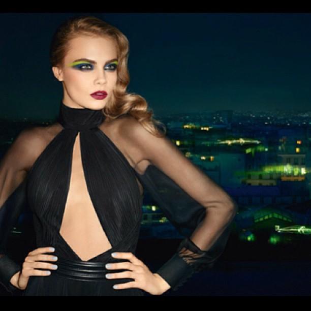 Кара Делевинь: Go greeeeen! New YSL make up campaign shot by @terryrichardsonstudio #nofilter