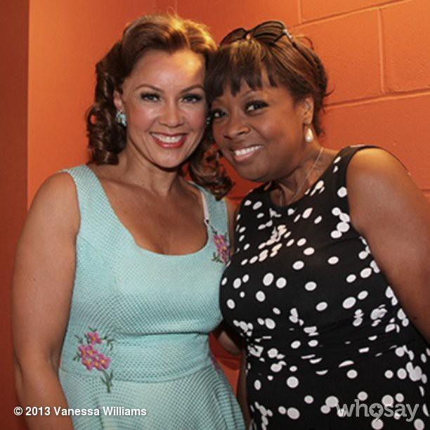 Ванесса Уильямс: Stars shine brightly on @BountifulBway with @StarJonesEsq!