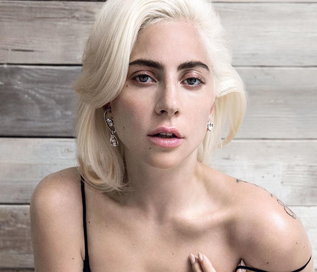 Риз Уизерспун: #MondayMuse: The totally original, risk-taking @ladygaga. Have y'all seen @starisbornmovie? I was so impressed by her in this film. (And I thought Bradley Cooper did a great job directing and starring as well.)  P.S. Bring your tissues because it'...
