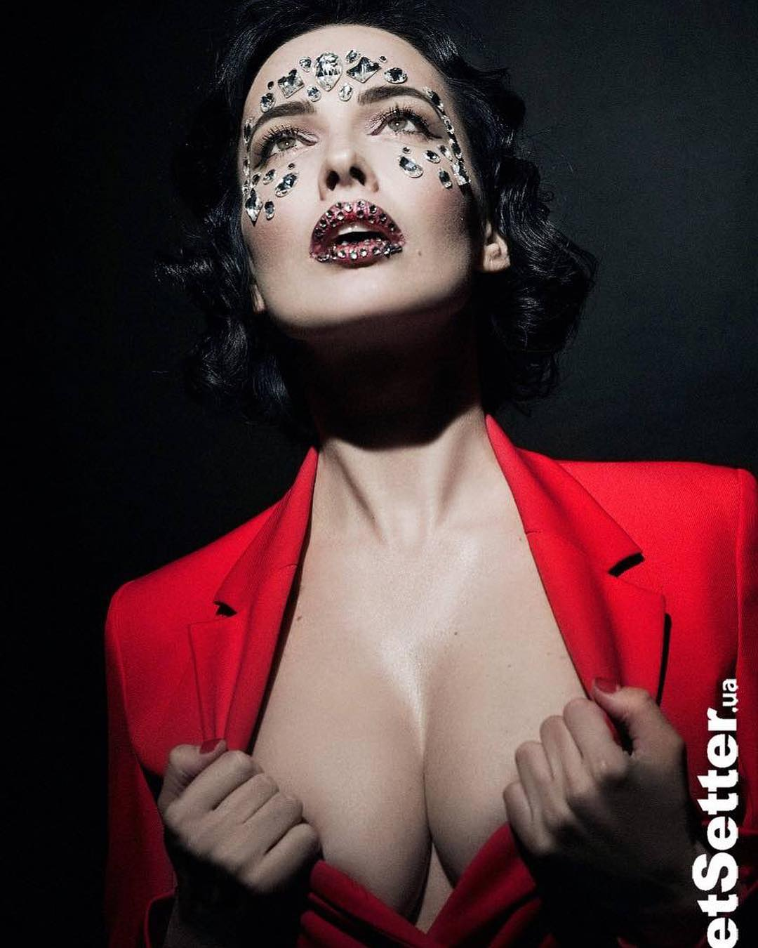 Даша Астафьева: Наша красота для @jetsetterua    @positiff @realpotap @mozgiband @niakrya @catrin_nikola @gromova.karinaa @mogila_tatiana #jetsetter