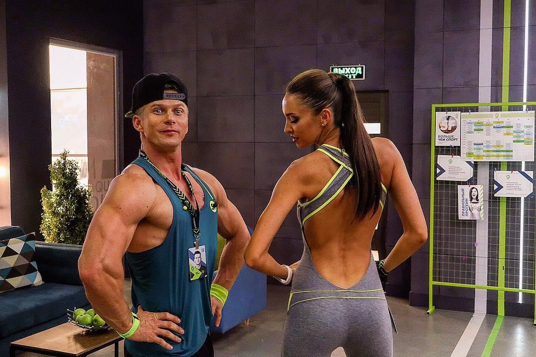 Татьяна Храмова: Итак...? Про спортивную подготовку к съемкам Часть 3? Сначала я была не в восторге от изнуряющих силовых тренировок.Мне было очень тяжело!? Но…в какой-то момент я увидела первые результаты тренировок и то,как меняется мое тело,приобретает форму,ко...