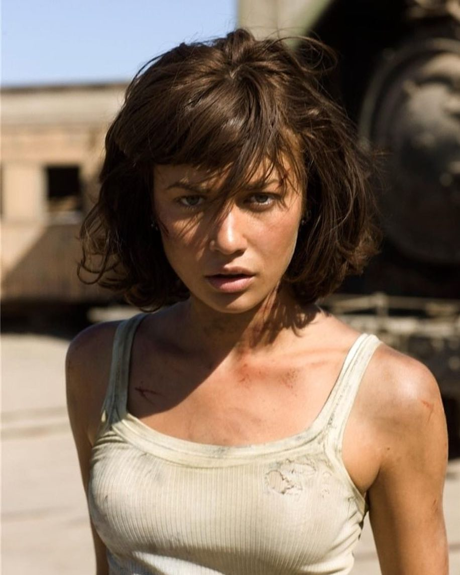 Ольга Куриленко: In the mood for a throwback...Camille Montes from Quantum of Solace.