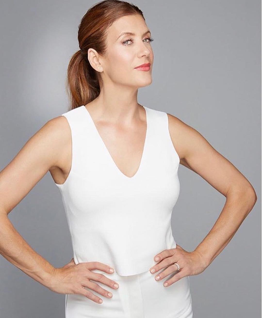Кейт Уолш: Sooo… are u saying I can't wear all white like this tomorrow?