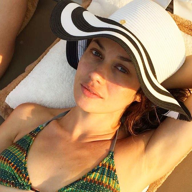 Ольга Куриленко: Catching some rays   Купаюсь в лучиках солнца