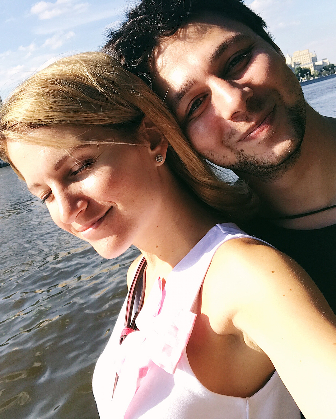 Женя Малахова: Я, капец, какой счастливый человек. Мои друзья  не умещаются в ленте. Вчера был день дружбы, но на самом деле, дружба не имеет пола и времени. Я не стану говорить вам спасибо, а просто буду наслаждаться вами.  Люблю вас, Мои 24/7! #friendship   @k...