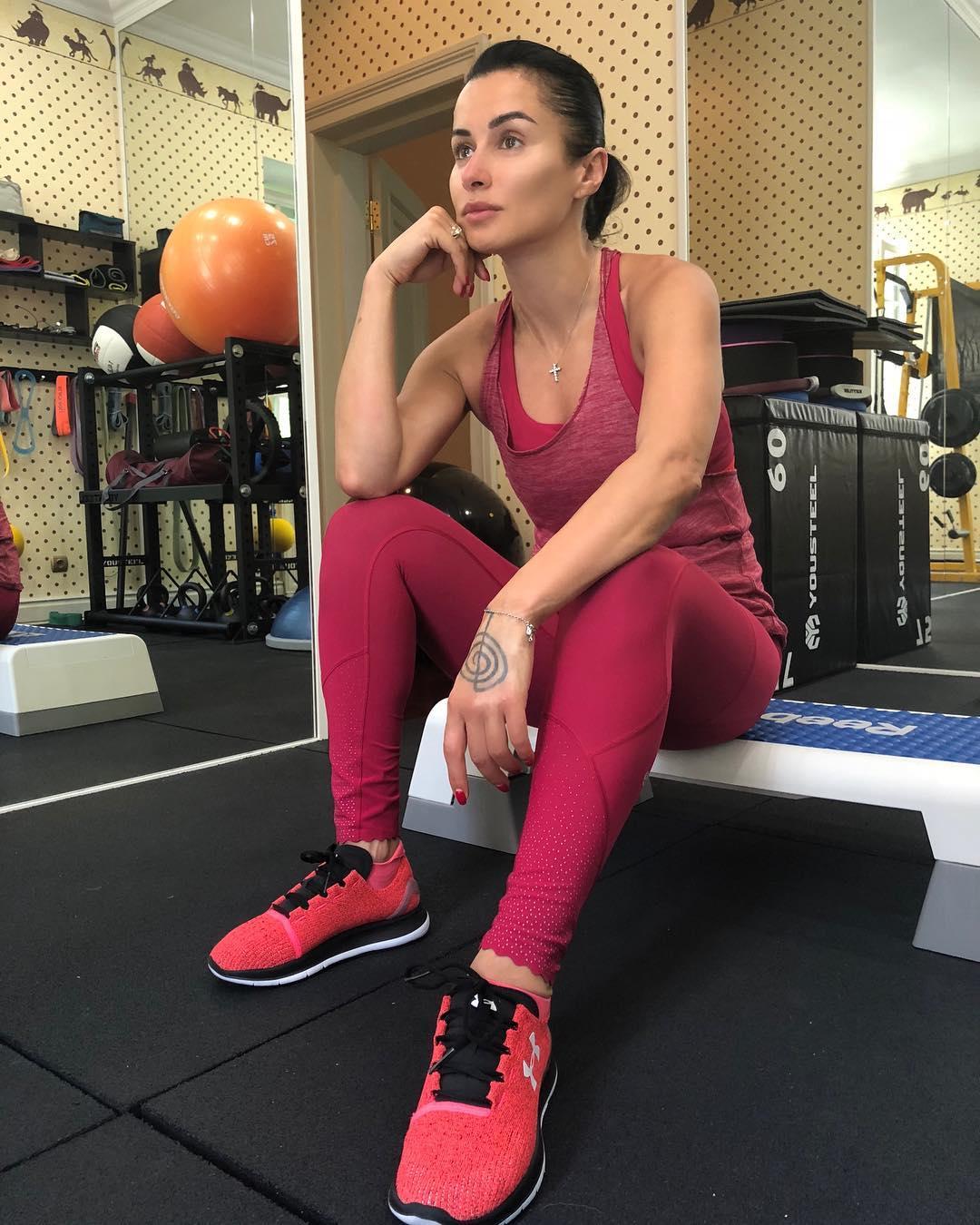 Тина Канделаки: Что делаете, если сорвана спина?