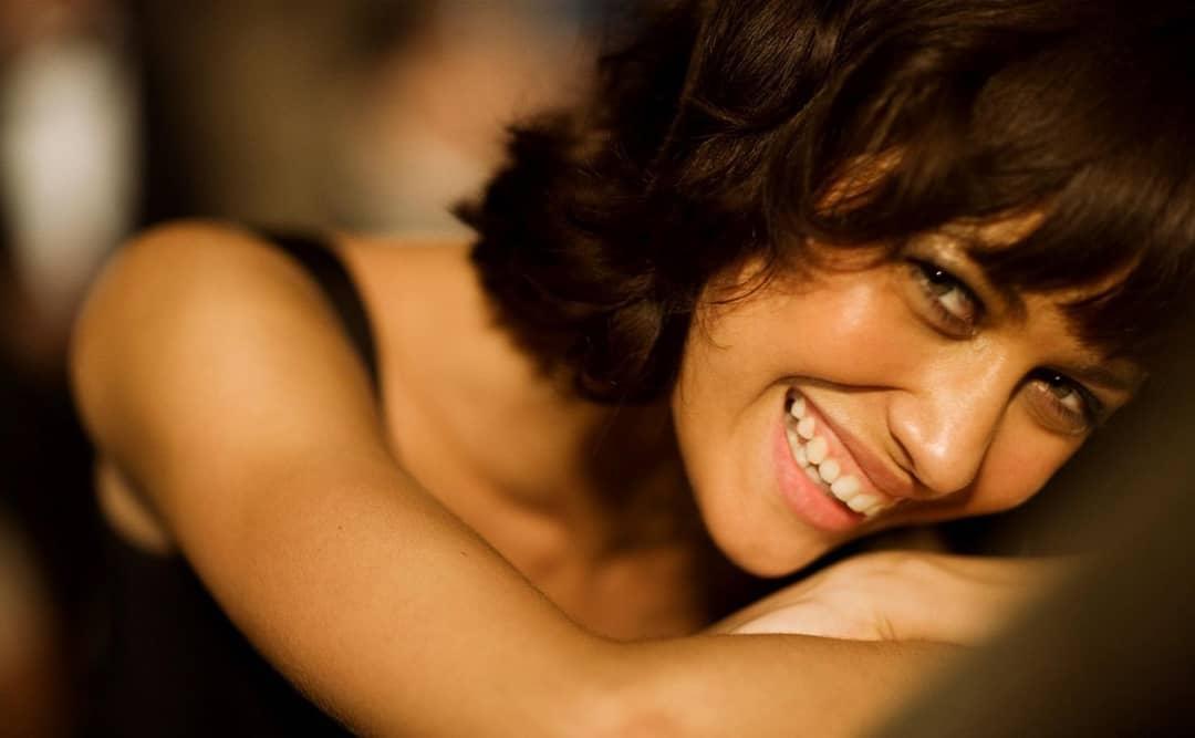 Ольга Куриленко: Smile! It's the weekend!  Улыбнитесь! Выходные!!!! Ура!