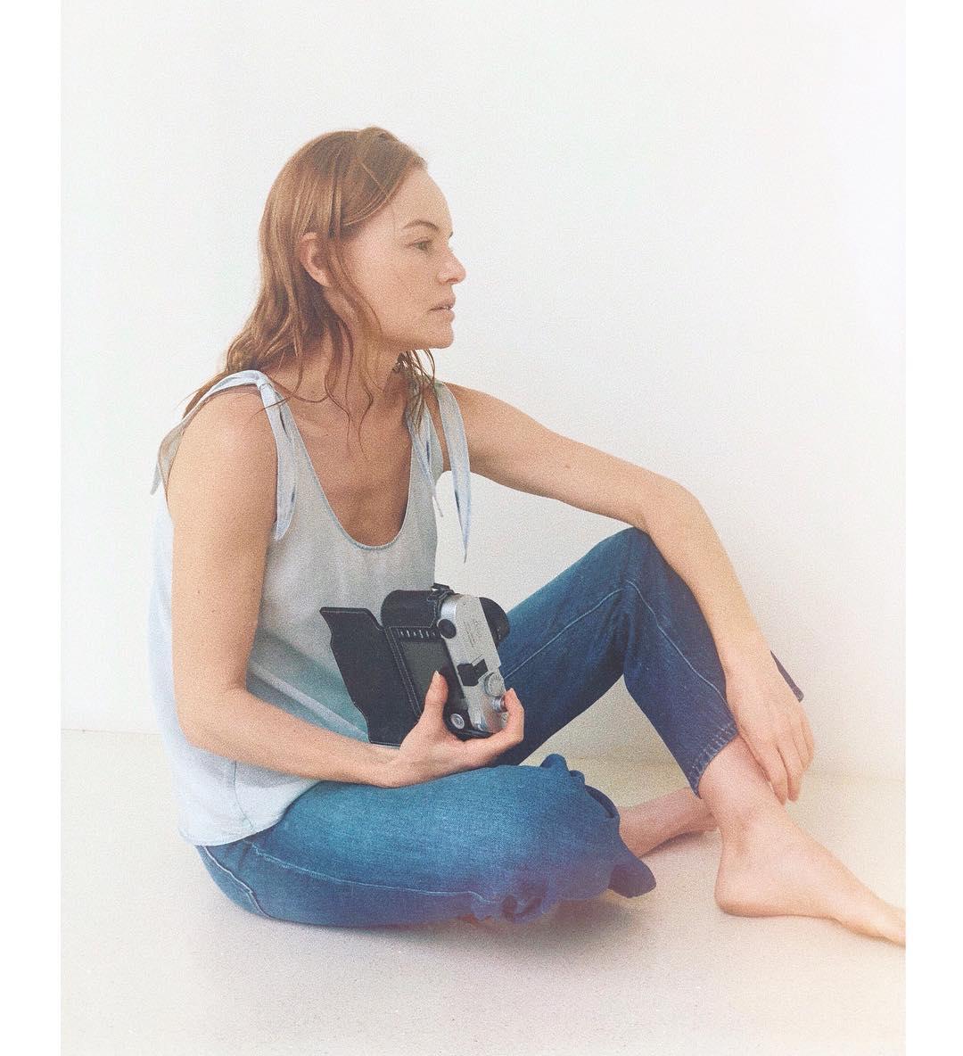 Кейт Босуорт: #bts of the girl behind the camera   @jbrandjeans #ComingSoon
