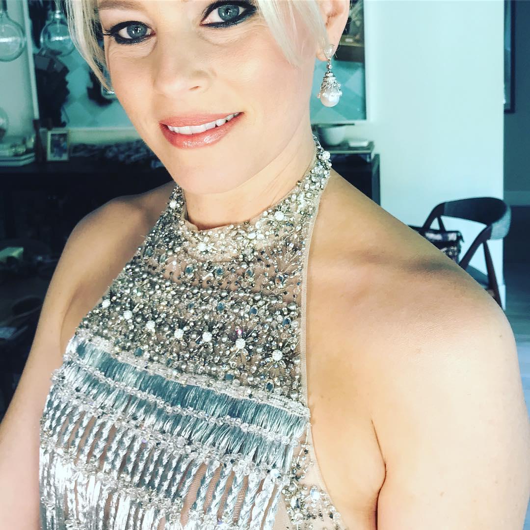 Элизабет Бэнкс: Feeling sparkly for #oscars