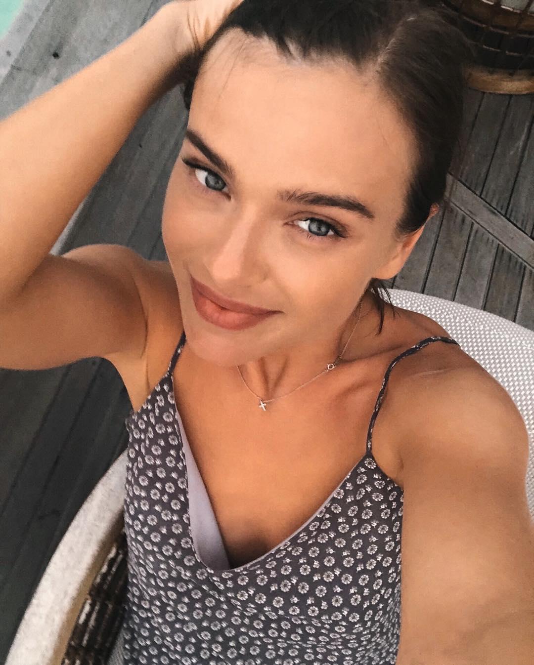 Елена Темникова: Сейчас два месяца тура и срочно снова улечу на свой любимый остров @milaidhoo