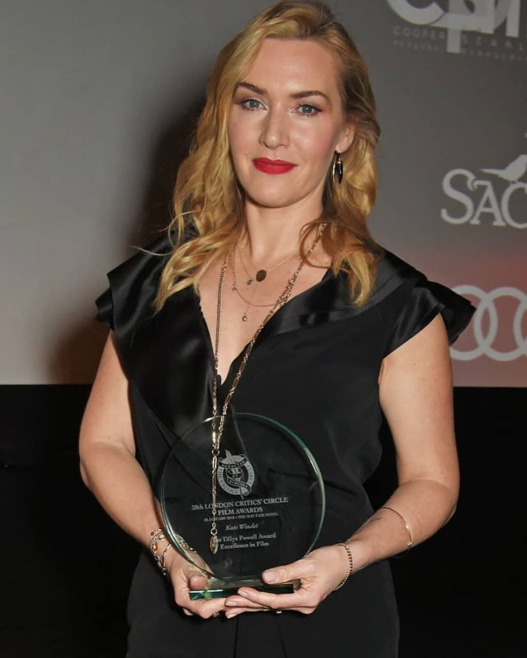 """Кейт Уинслет: """" Actress #KateWinslet wears LANVIN to attend the London Film Critics' Circle Awards 2018   @gettyimages """""""
