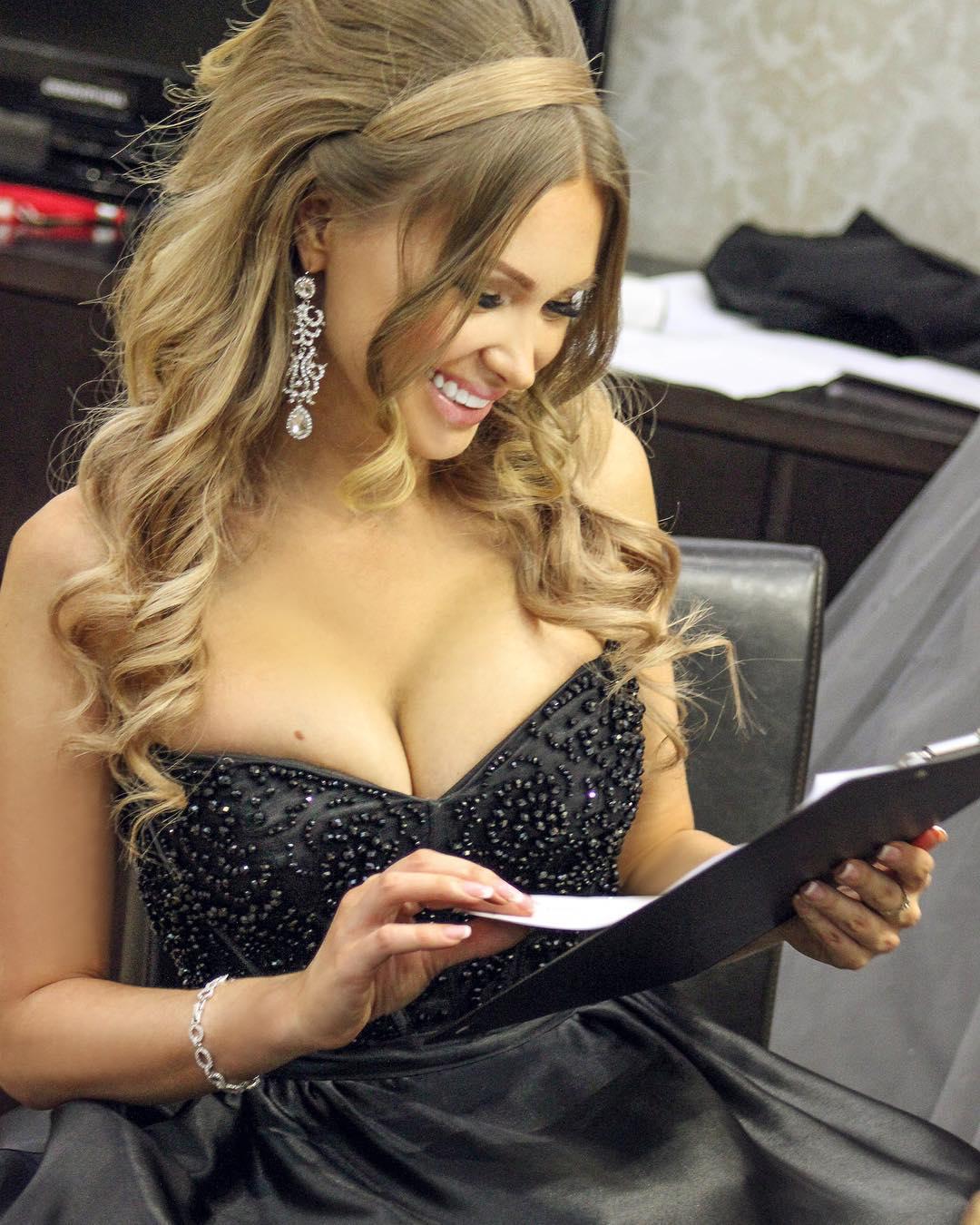 Евгения Феофилактова: Как вы считаете важно ли чувство юмора у мужчины?) #FEOFILAKTOVAEVGENIYA