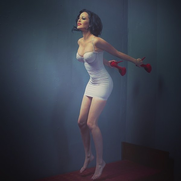 Даша Астафьева: #Mood   by @vizerskaya_official