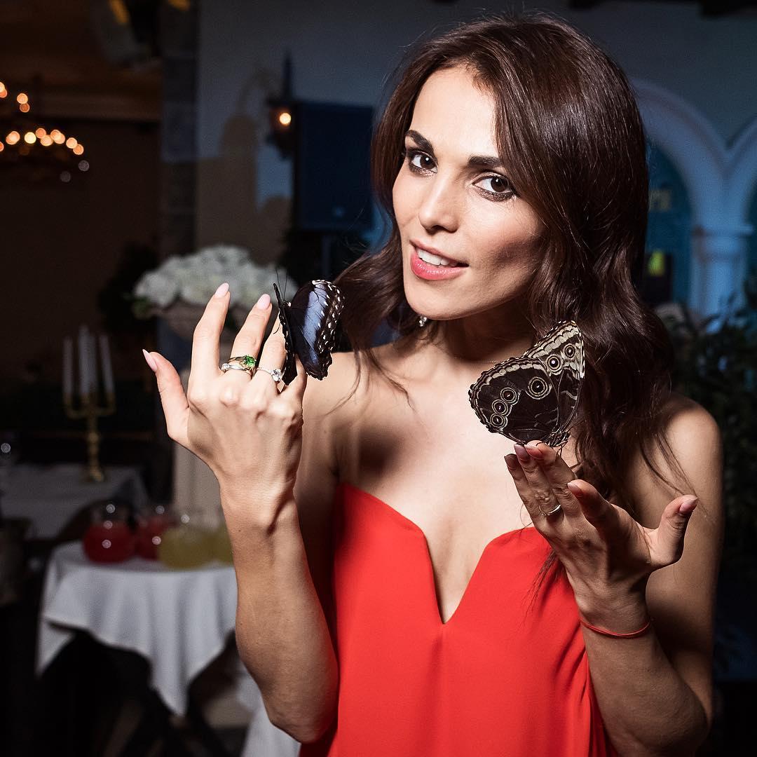Сати Казанова: Весь день и вечер порхали бабочки во мне, и сама я порхала!