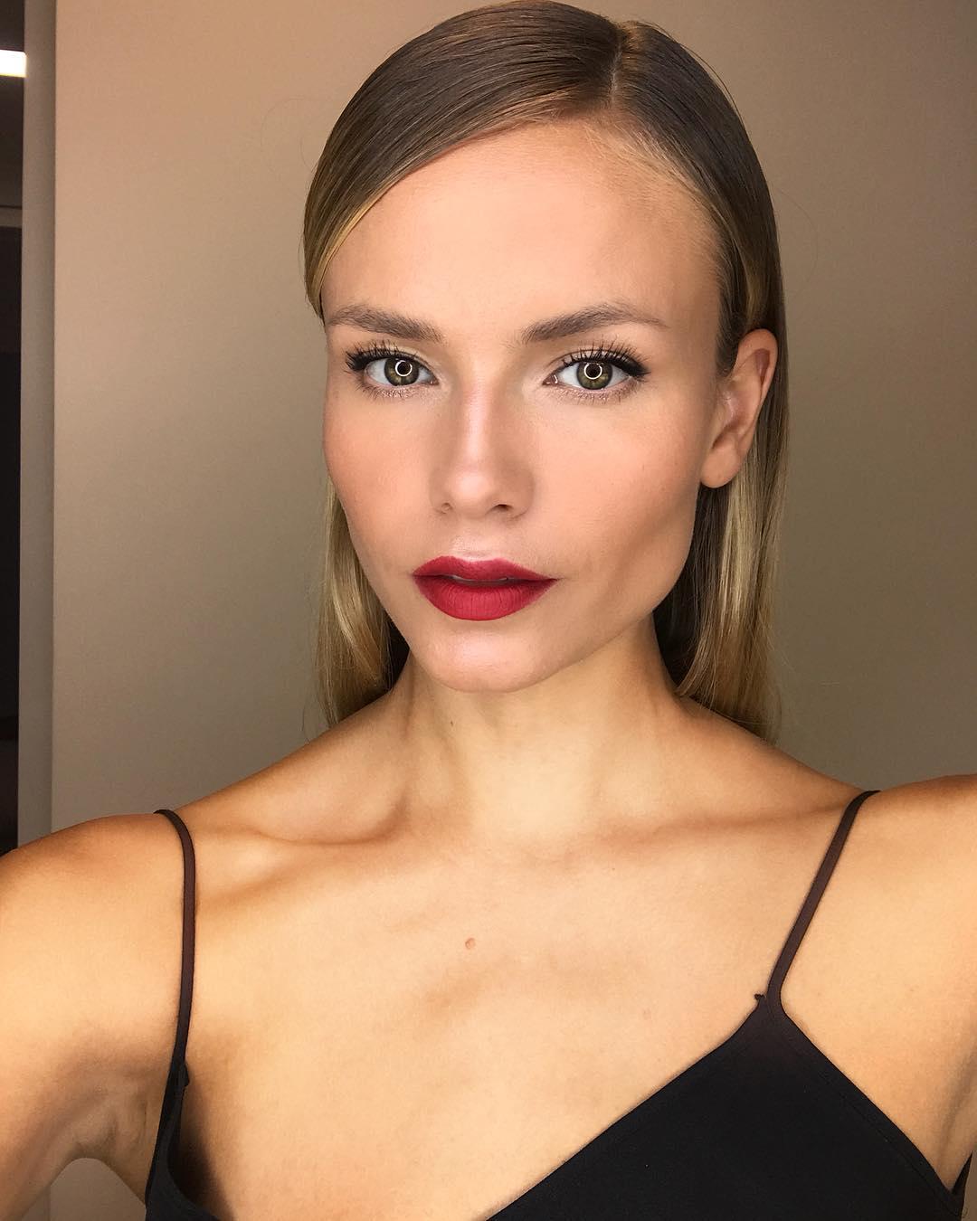 Наташа Поли: Feeling The Love   #NPolyMakeUp #redlips #beauty #NYFW
