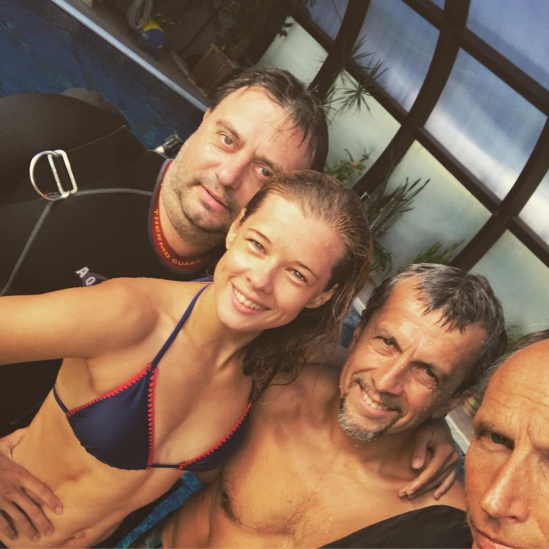 Екатерина Шпица: Тренировка-подготовка к кадру :) В бассейне-хорошо, слово за морем
