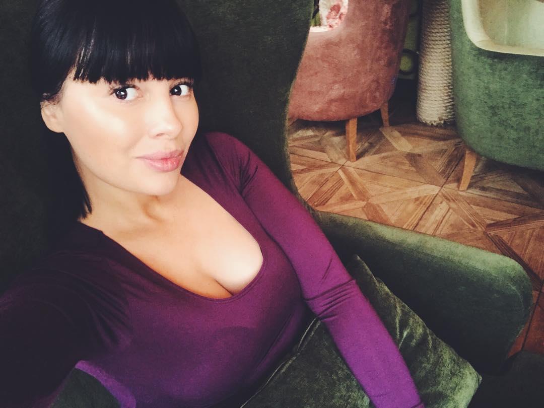 Нелли Ермолаева: Намочил дождик меня  Но, я так кайфуюююю от такой погоды
