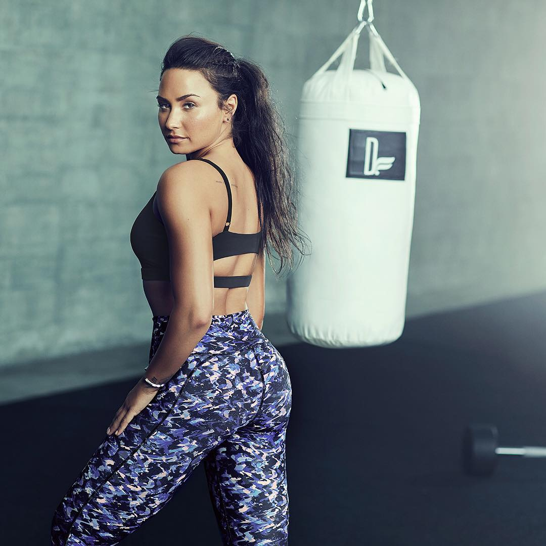 Деми Ловато: Still obsessing over these shots from my @Fabletics photoshoot   Check out my bio for more #Demi4Fabletics.