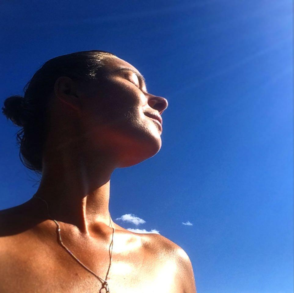 Вера Панфилова: Золото и намёк на крылья