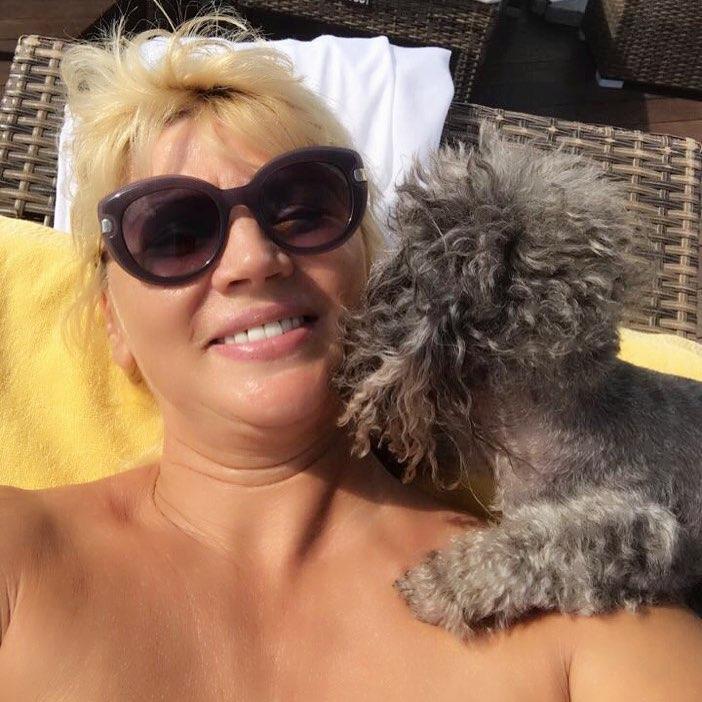 Настя Задорожная: Каким же правильным было решение отправить моих девочек на всё лето отдыхать. Каждый день вижу солнце и счастье, хоть и на снимках. Заряжаюсь. Отдохните и загорите за меня!