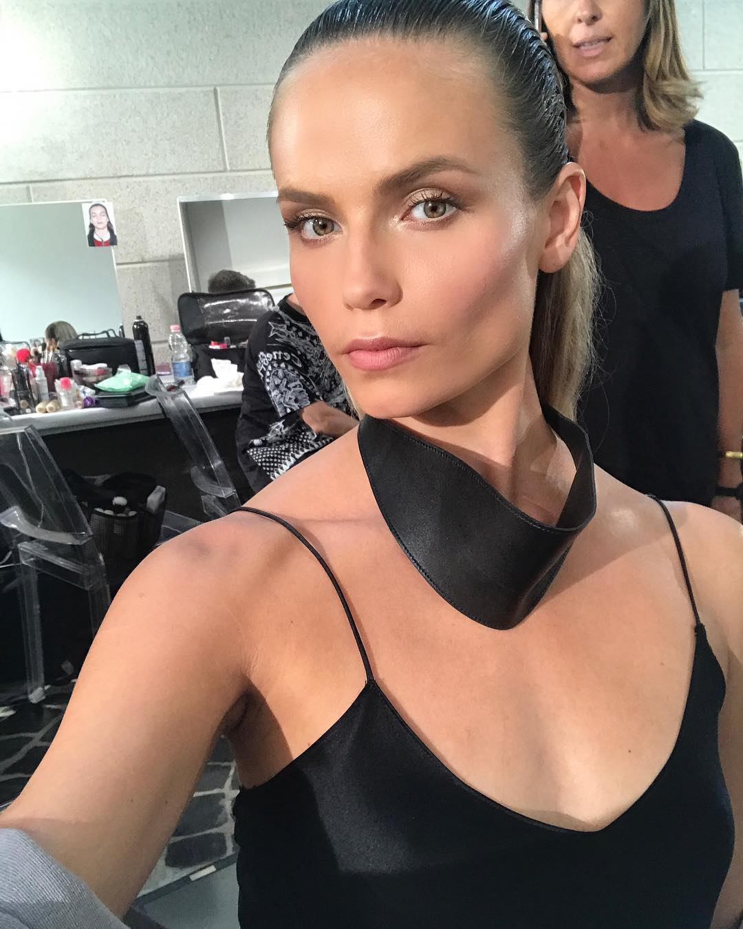 Наташа Поли: Hair And Make Up Done @patmcgrathreal @guidopalau    #VersaceSS18 Men @versace_official @donatella_versace