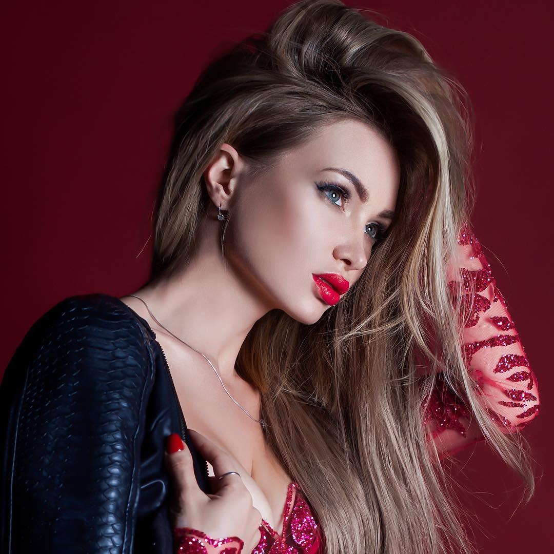 Евгения Феофилактова: Ты тайна, грех, мое ты наважденье,Ты новизну мне подарил и наслажденье.... Photo:  @masha__photographer  #FEOFILAKTOVAEVGENIYA