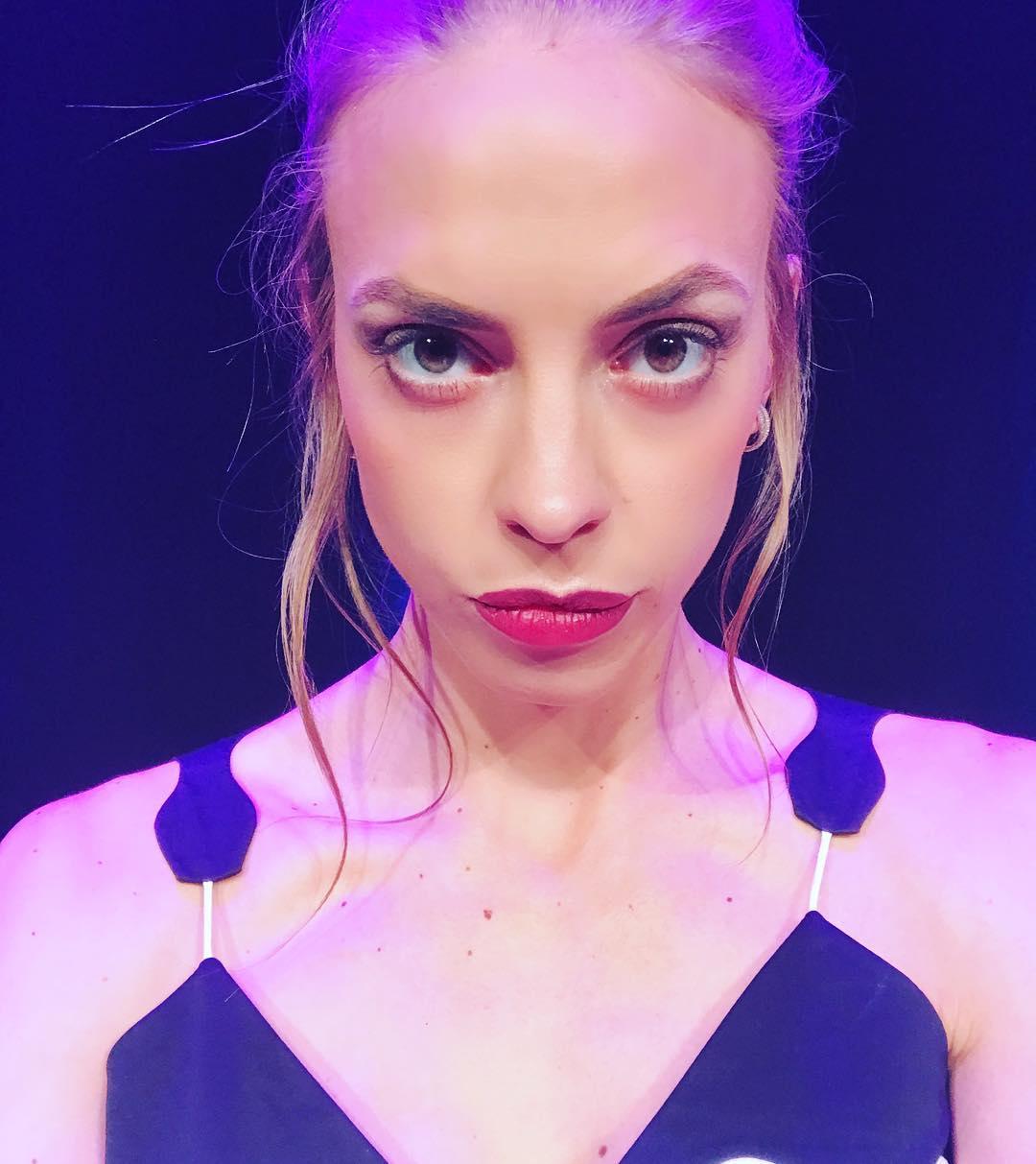 Надежда Сысоева: Селфи прямо со сцены #comedywoman #хайфа #сценаселфи